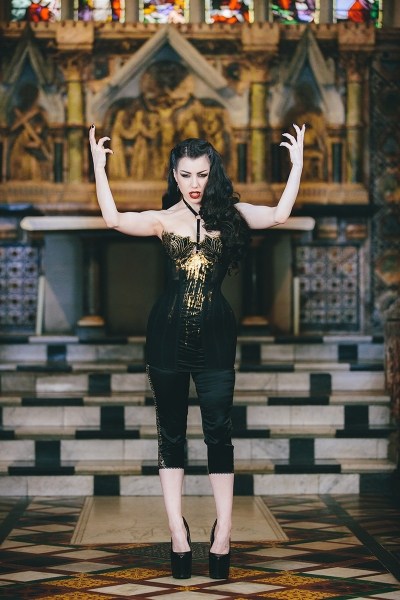 Corset by Karolina Laskowska, modelled by Threnody in Velvet, photography by Chris Murray