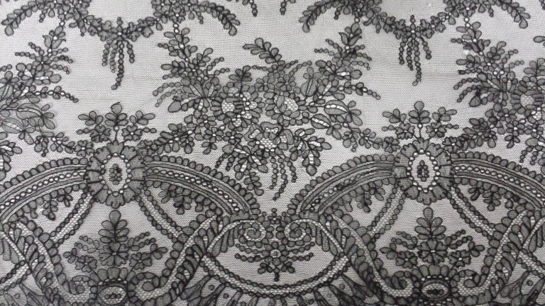 Victorian chantilly lace from the collection of Karolina Laskowska