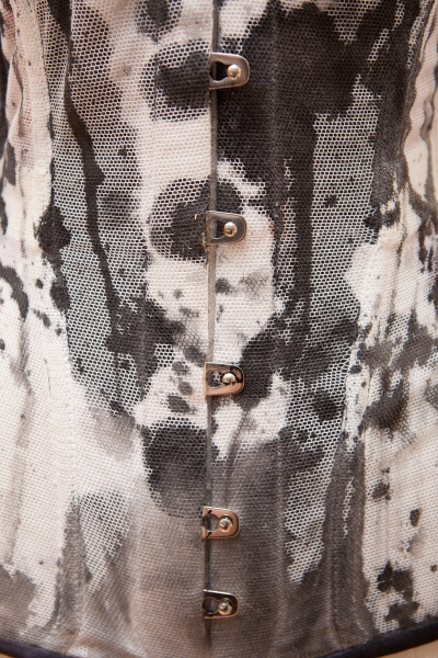 Ink corset by Karolina Laskowska, antique busk detail
